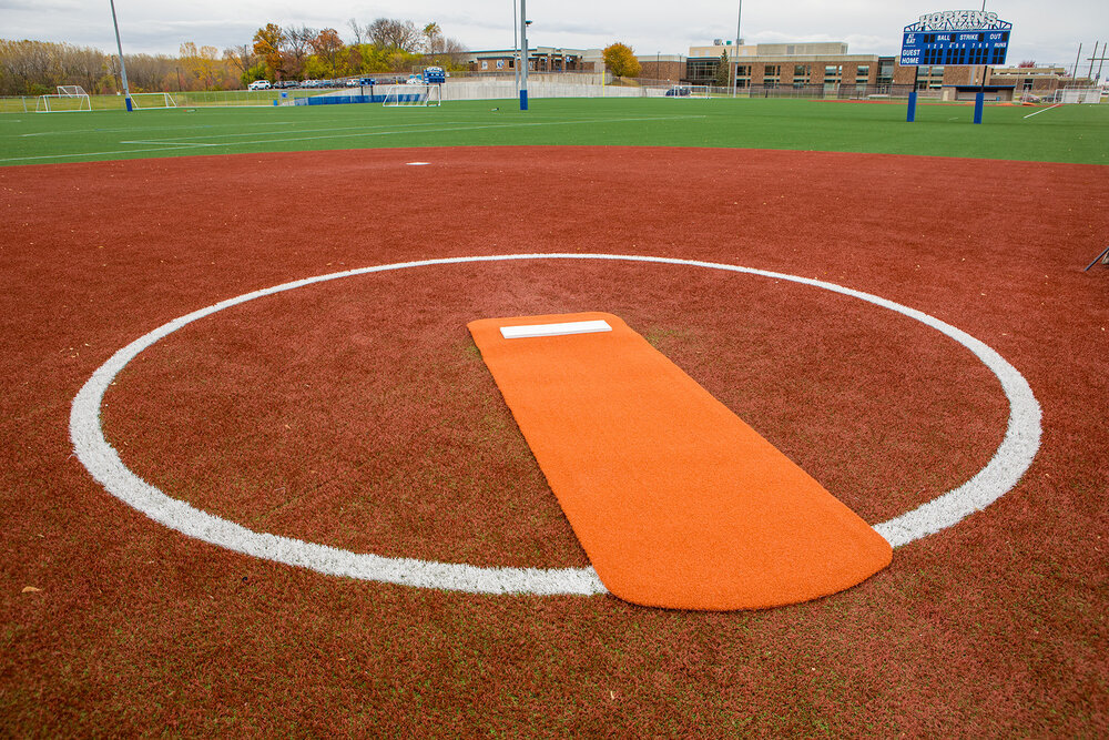 LONG SPIKED SOFTBALL MAT